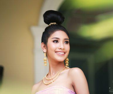 Thai dress at phuket old town