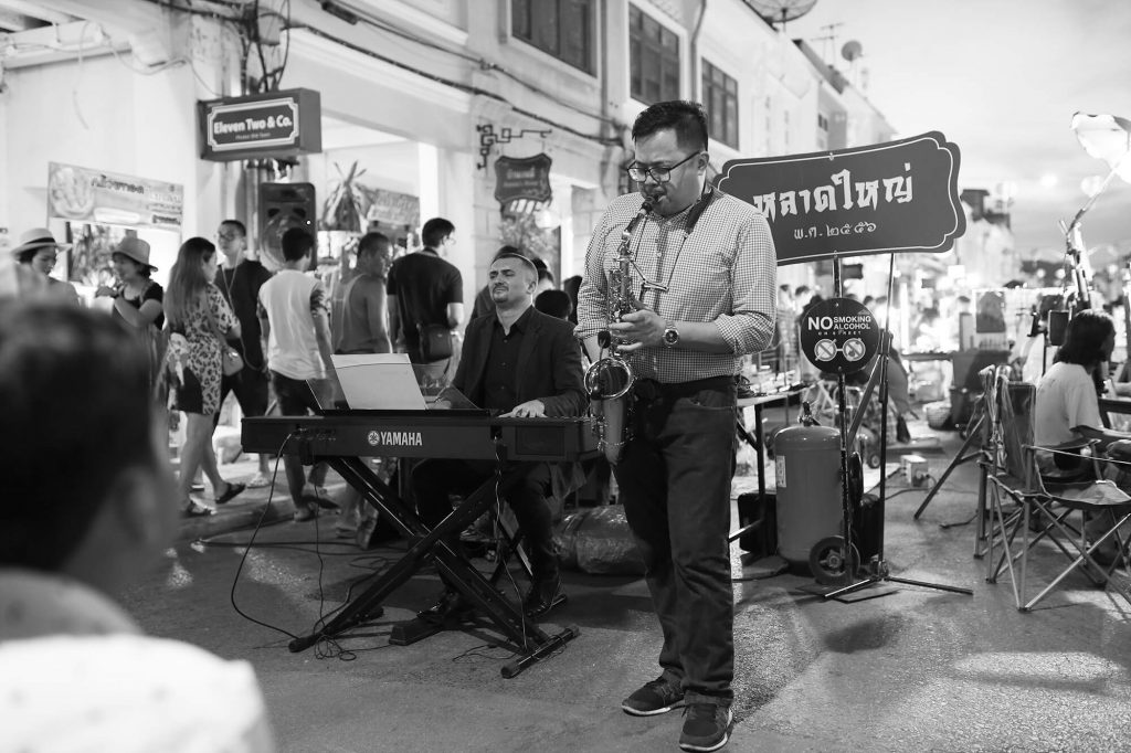street misic at phuket old town